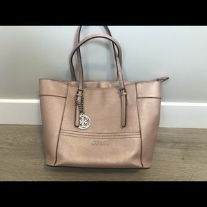Like new guess handbag for sale